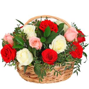"""Цветы в корзинке """"Поцелуй розы"""""""